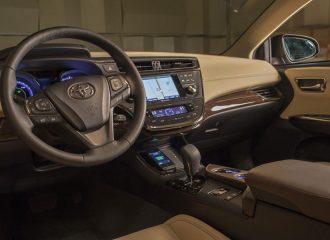 Toyota με ασύρματο φορτιστή κινητού!