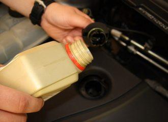 Λάδια αυτοκινήτων: τι πρέπει να γνωρίζετε