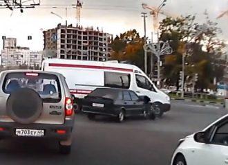 Βίντεο με δεκάδες απρόβλεπτες συγκρούσεις