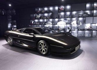 Πωλείται Jaguar XJ220 βελτιωμένη από την Overdrive AD