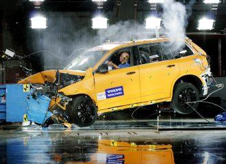 Το νέο Volvo XC90 είναι πολύ «σκληρό» στα crash tests (video)