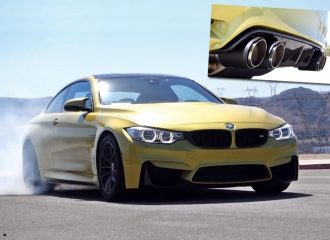 BMW M4 με εξάτμιση τιτανίου Akrapovic ακούγεται δυνατά!