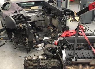 Αφαίρεση κινητήρα από Lamborghini Gallardo