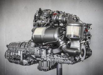Η Mercedes επενδύει 3 δισ. ευρώ για νέους κινητήρες