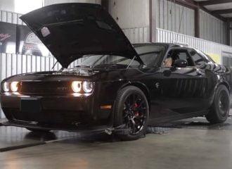 Dodge Challenger με 1.060 ίππους «λυσσάει» στο δυναμόμετρο!