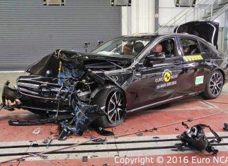 Crash tests του Euro NCAP σε Mercedes E-Class και Peugeot 3008