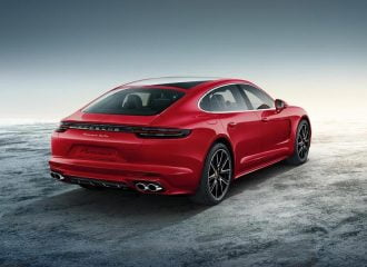 Φωτιά στα κόκκινα η Panamera Turbo της Porsche Exclusive!