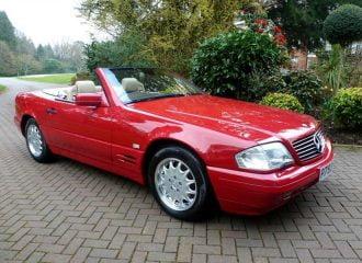 Δεν θα πιστεύεις γιατί αυτή η Mercedes SL500 του 1996 έχει μόλις 130 χλμ.