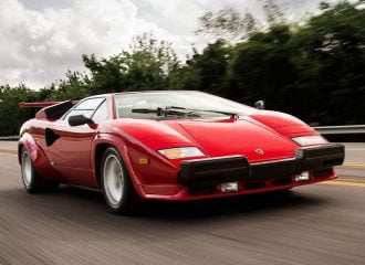 Σπάνια Lamborghini Countach του 1987 με 10.463 χλμ.!