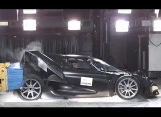 Το crash test του supercar των 2.000.000 ευρώ (+video)