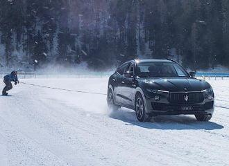 Maserati Levante κάνει ρεκόρ ταχύτητας στο χιόνι με snowboard
