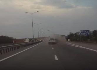Τρομακτικό ατύχημα με Nissan Qashqai και φορτηγό (+video)