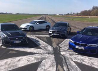 Η κόντρα των supersedan στα 300 χλμ./ώρα (+video)