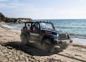 Το Jeep Wrangler προστατεύει τις παραλίες