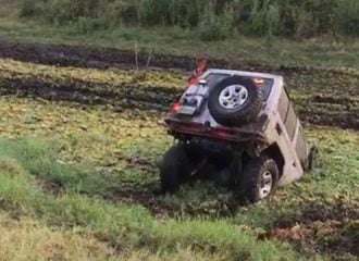 Έτσι πνίγεις το Toyota Land Cruiser σου (+video)