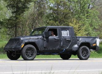 To Jeep Wrangler pick up πιάστηκε «επ' αυτοφόρω»