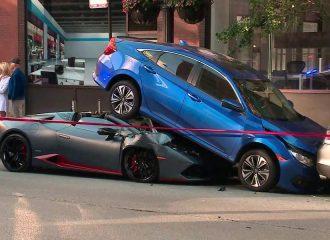 Πάρκαρε τη Lamborghini κάτω από το Civic (+video)