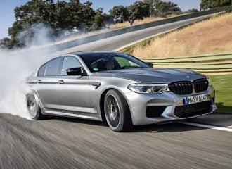 BMW M5 Competition καίει λάστιχα (+video)
