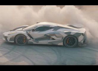 Παιχνίδια στο χώμα με Ferrari ενός εκατομμυρίου ευρώ… (+video)
