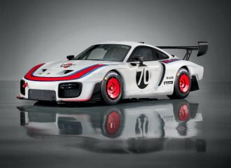 H Porsche αναβιώνει το θρυλικό αγωνιστικό 935 (+video)
