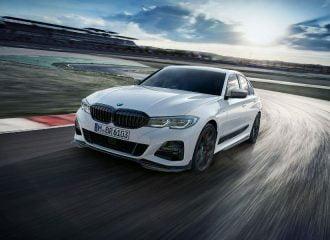 Νέα BMW Σειρά 3 Μ Performance «πνιγμένη» στο ανθρακόνημα