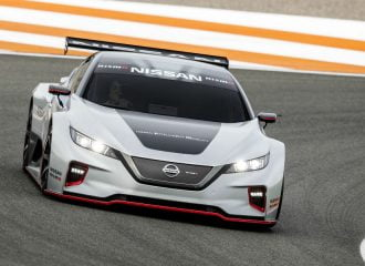 «Κεραυνός» το αγωνιστικό Nissan LEAF (+video)