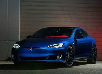 Ένα Tesla Model S για τον Σούπερμαν (+video)