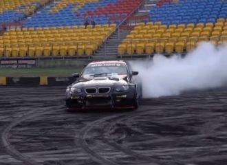 BMW M3 E92 με μοτέρ Skyline «λυσσάει» στις 10.000 σ.α.λ. (+video)