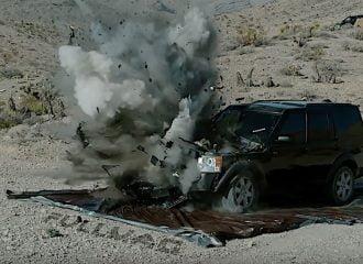 Land Rover Vs οβίδα άρματος! (+video)
