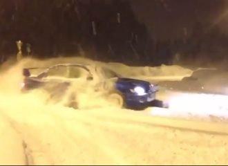 Subaru Impreza WRX «παίζει» στα χιόνια (+video)