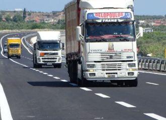 Η Ε.Ε. βάζει στο στόχαστρο τις εκπομπές ρύπων των φορτηγών