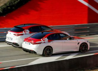 Οι καυτές Alfa Romeo Racing Giulia/Stelvio & Stelvio Ti