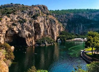 Λίμνη Βουλιαγμένης: Ο κρυμμένος θησαυρός της Αθηναϊκής Ριβιέρας