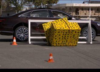 To απίστευτο σύστημα ασφαλείας του Audi A8 (+video)