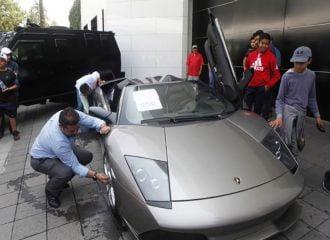 Στο σφυρί supercars μεξικανών εγκληματιών