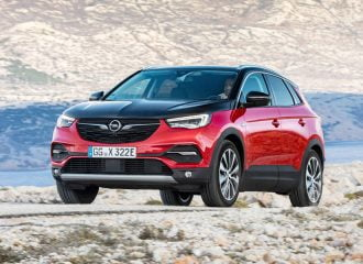 Νέο plug-in υβριδικό Opel Grandland X με 300 άλογα!