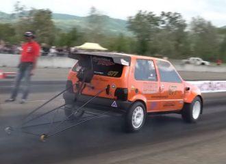 Fiat Uno 600 ίππων «γαζώνει» στις 9.000 σ.α.λ.! (+video)