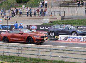 H BMW παίρνει εκδίκηση από το Tesla Model 3 (+video)