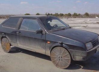 Lada Samara με καπάκια υπονόμου αντί για τροχούς! (+video)