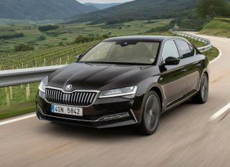 Νέο κορυφαίο Skoda Superb Laurin & Klement