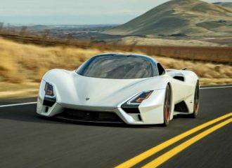 Έτοιμο το ταχύτερο αυτοκίνητο παραγωγής όλων των εποχών!