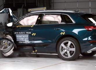 Βράχος το Audi e-tron στο σκληρότερο crash test