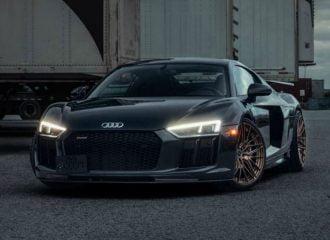 Audi R8 με χρυσαφί ζάντες κόβει την ανάσα