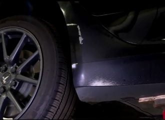 Προβληματική βαφή και σκουριά σε ολοκαίνουργιο Tesla! (+video)