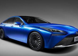 Πισωκίνητο και πιο σπορ το νέο Toyota Mirai