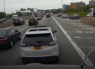 Ford «πουλάει τρέλα» σε νταλίκα! (+video)