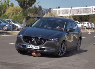 Πόσο «Zoom-Zoom» είναι το Mazda CX-30 στον «τάρανδο»; (+video)