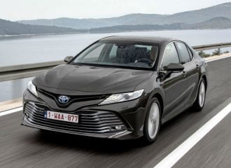 Θα αγοράζατε με 40.000 ευρώ το Toyota Camry;