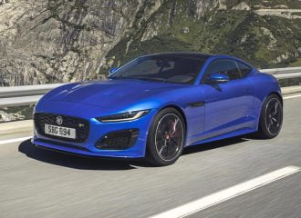 Ακόμη πιο σαγηνευτική η νέα Jaguar F-Type