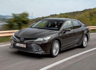 Πόσο κάνει το Toyota Camry στην Ευρώπη;
